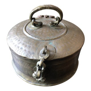 1900s Traditional Hand Hammered Brass Box With Latch For Sale