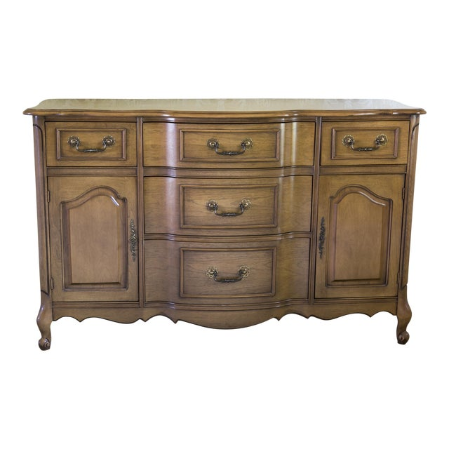 1960s Traditional Bennett Co. Wooden Dining Room Buffet For Sale