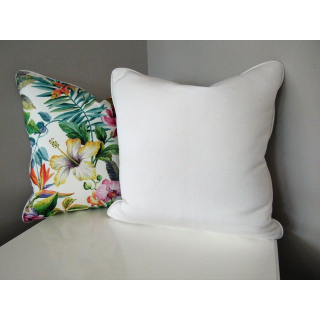 Contemporary Contemporary Tropical Floral Print Accent Pillows - a Pair For Sale - Image 3 of 5