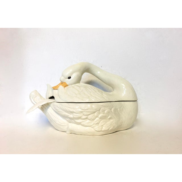 This is a ceramic soup tureen in the shape of a beautiful swan complete with matching ladle. In excellent condition...