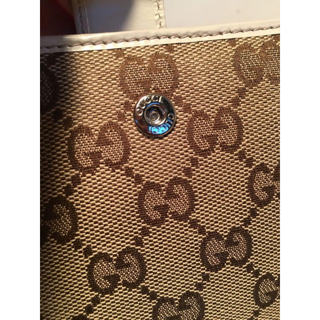 Gucci Gg Monogram and Beige Leather Wallet With Zip Pocket and Box For Sale - Image 9 of 11
