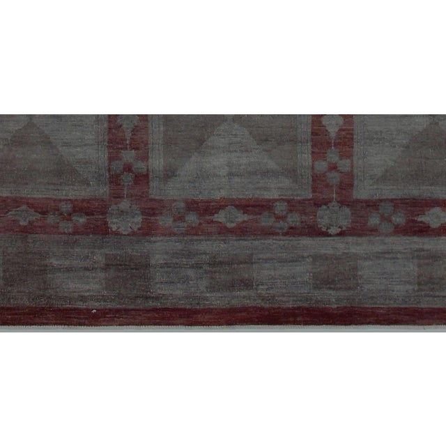 1970s Over Dyed Color Reform Loni Lt. Gray Wool Rug - 7'9 X 9'11 A3357 For Sale - Image 5 of 7