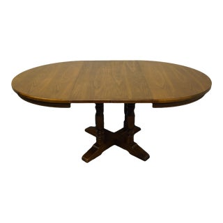 Italian Provincial Universal Furniture Round Pedestal Dining Table For Sale