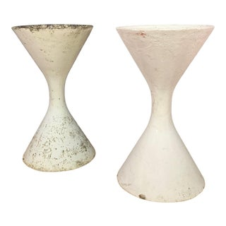 "Pair of 25"" Willy Guhl Diablo Hourglass Planters For Sale"