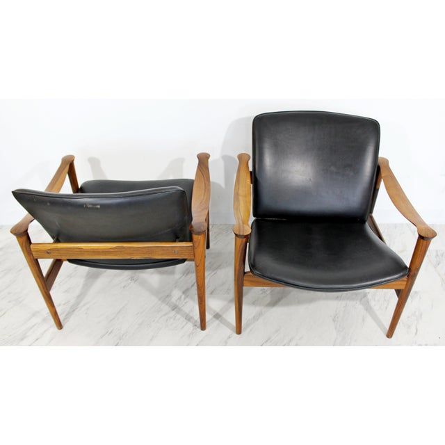 Wood Mid Century Modern Pair Model 711 Easy Chairs Fredrik Kayser Vatne Mobler 1960s For Sale - Image 7 of 11