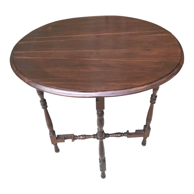 Mid 18th Century Victorian Oval Flip Top or Tilt-Top Table For Sale