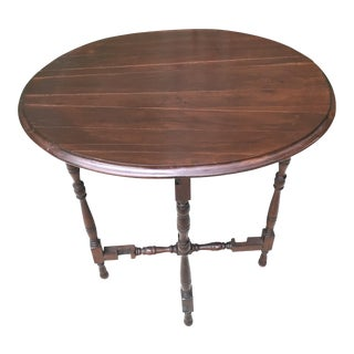 Mid 18th Century Victorian Oval Wooden Tilt-Top Table For Sale