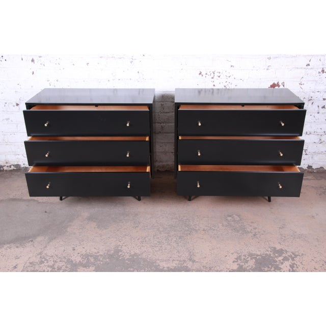 1950s Paul McCobb Planner Group Black Lacquered Three Drawer Bachelor Chests or Large Nightstands, Newly Restored For Sale - Image 5 of 13