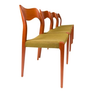 Vintage Møller Model 71 Dinning Chairs (Set of Four) For Sale