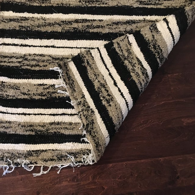 Handwoven Recycled Cotton Rug - 3′4″ × 5′9″ For Sale - Image 4 of 5