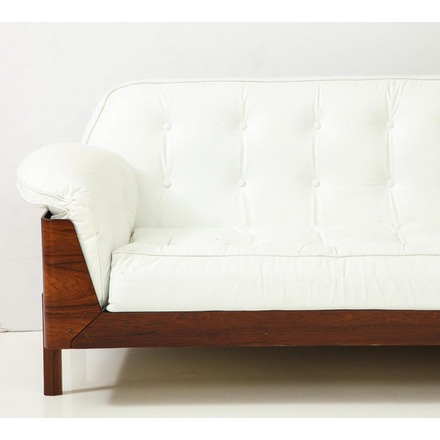 Metal Brazilian Sofa in Jacaranda and White Leather For Sale - Image 7 of 13