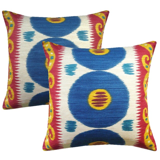 Lee Jofa Emir Cadet Ikat Accent Pillows - a Pair For Sale