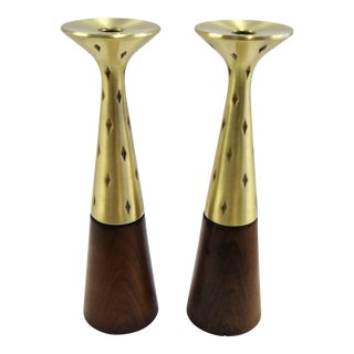!950s Tony Paul Pair Modern Tall Candlesticks for Westwood Chadwick, Brass and Walnut