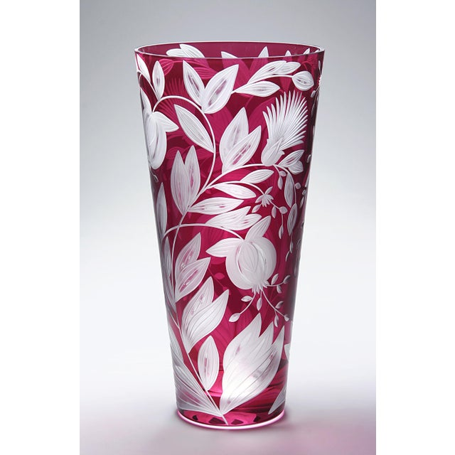 Traditional Verdure Large Vase, Fuschia For Sale - Image 3 of 4