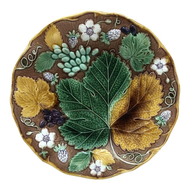 C.1890 Majolica Strawberry & Leaves Plate Wedgwood For Sale