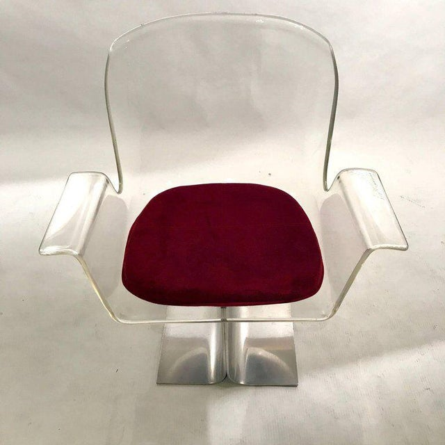Silver Pair of Pace Lucite & Aluminum Dining or Conference Swivel Chairs by i.m. Rosen For Sale - Image 8 of 13