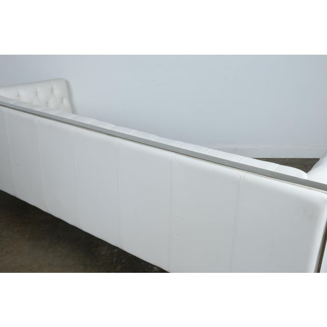 Modern Style White Chesterfield Sofa - Image 7 of 10