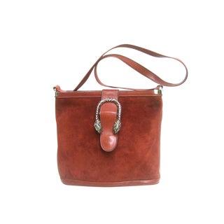 Gucci Rare Sterling Tiger Clasp Burgundy Suede Shoulder Bag C 1970s For Sale