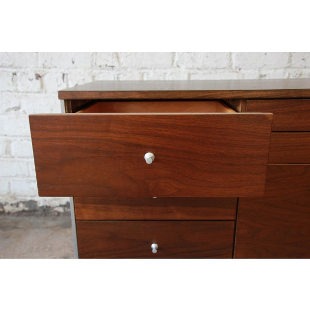 Paul McCobb Area Plan Units Mid-Century Modern Walnut Low Credenza For Sale - Image 11 of 14
