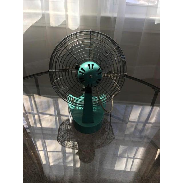 Mid-Century Modern Chrome Desk Fan - Image 6 of 7