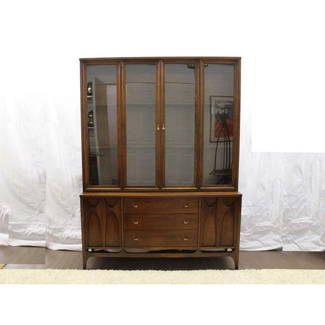 Mid-Century Modern Mid Century Modern Broyhill Brasilia China Cabinet For Sale - Image 3 of 9