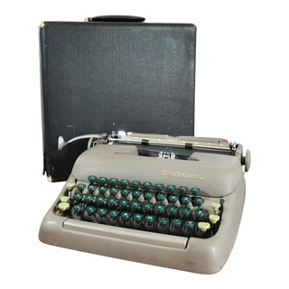 1949 Smith Corona Sterling Portable Typewriter and Case For Sale