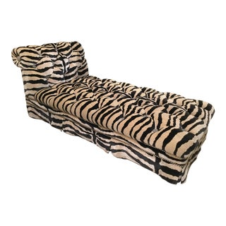 1980s Vintage Hollywood Velvet Chaise For Sale