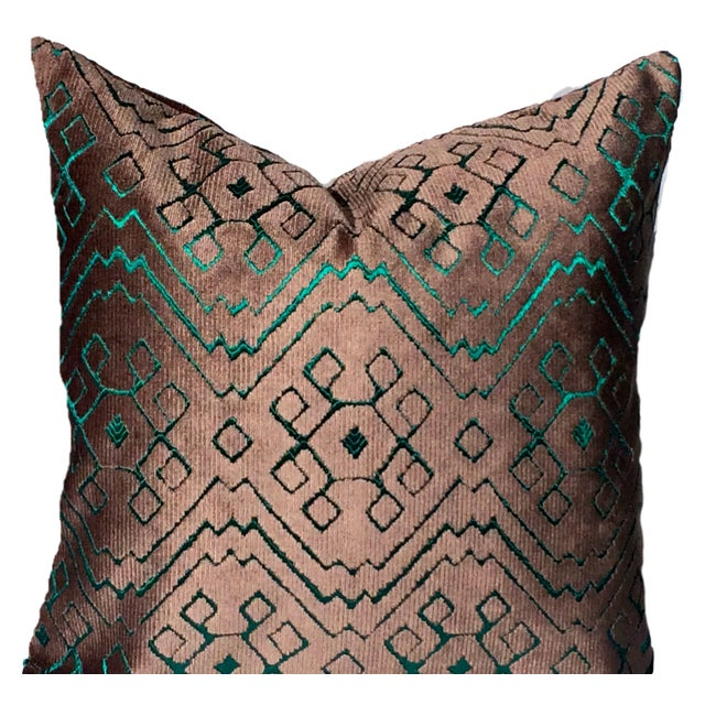 This is a timeless, elegant Italian velvet accent pillow cover from luxury textile house Fortuny. It is double sided in a...