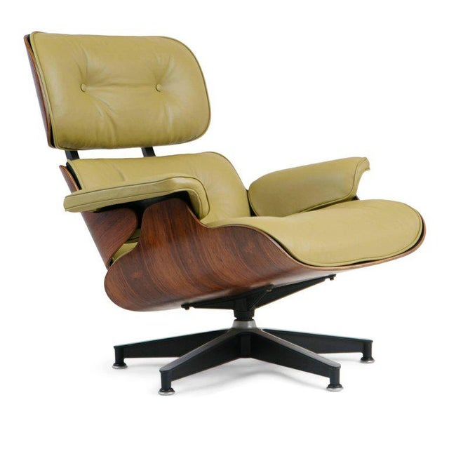 Charles Eames Early Production Model 670/671 Lounge Chair & Ottoman by Charles & Ray Eames For Sale - Image 4 of 13