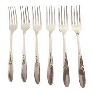 1940s Traditional Carlton Silver Plate Floral Dinner Forks - Set of 6 For Sale