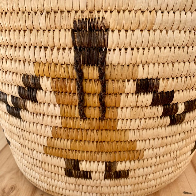 White Authentic Vintage Native American Tohono O'Odham Woven Basket For Sale - Image 8 of 10