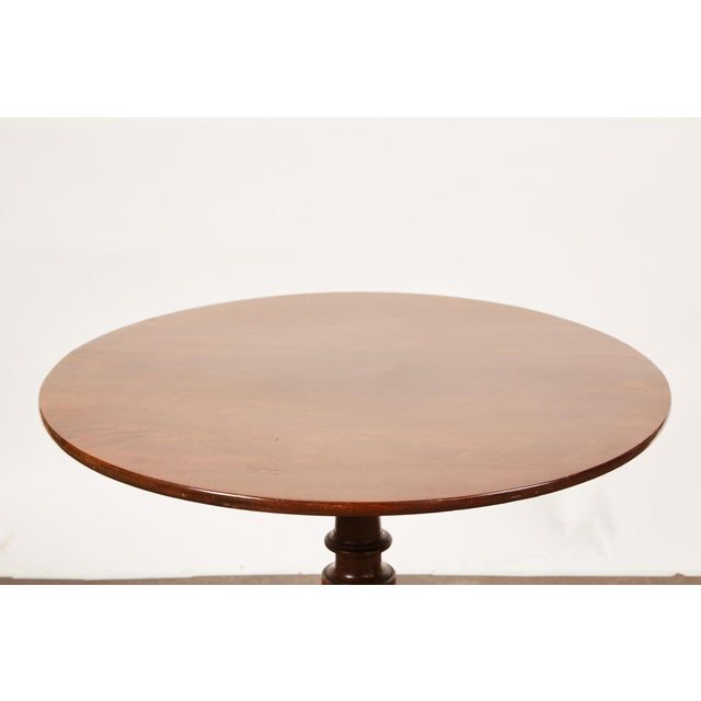 English Traditional 19th Century Queen Anne English Mahogany Pedestal Table For Sale - Image 3 of 7