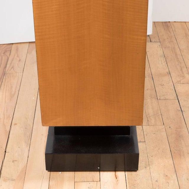 Maple American Art Deco Style Illuminated Presentation Shelving Unit or Bookcase For Sale - Image 7 of 10