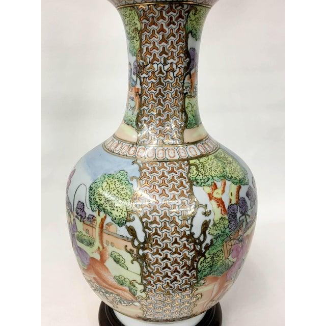 Vintage Chinese Export English Hunt Scene Vase For Sale - Image 4 of 5