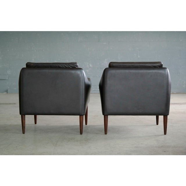 Hans Olsen Pair of Danish Lounge Chairs in Brown Leather and Rosewood Legs For Sale - Image 11 of 13