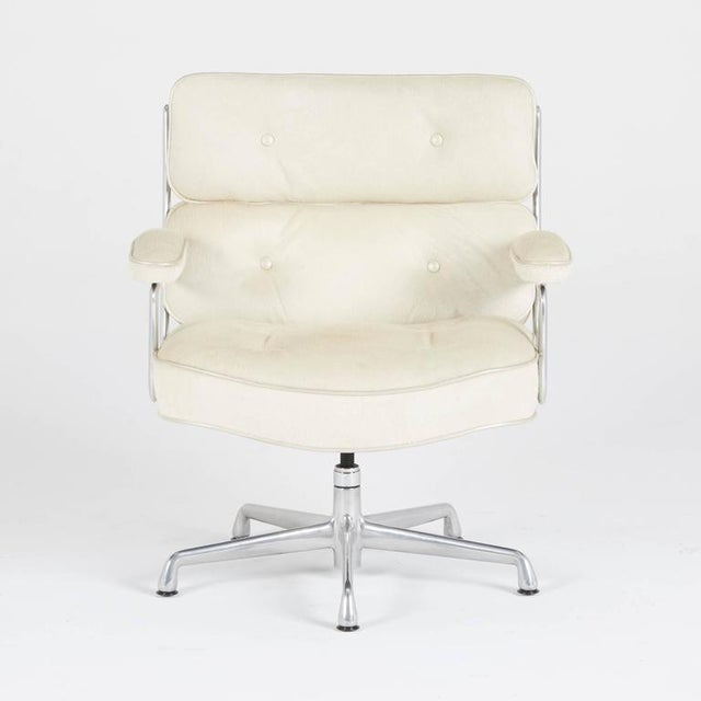 Mid-Century Modern Hair-On Hide Time Life Lobby Chairs by Eames for Herman Miller For Sale - Image 3 of 8