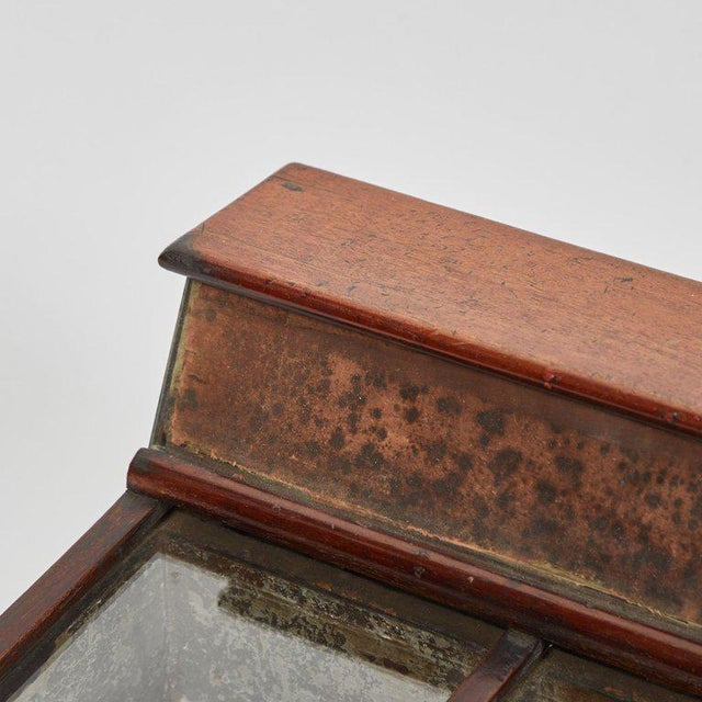 19th Century Display Case in Mahogany For Sale - Image 4 of 5