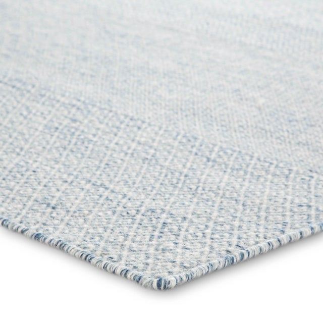 Easy versatility defines the stylish appeal of the Poise collection. The intricate Glace flatweave rug shows off a small-...