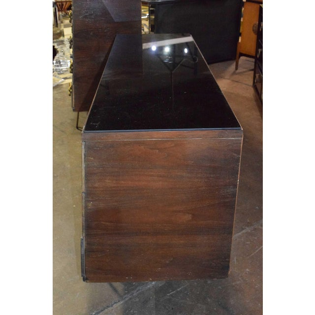 Mid-Century Modern Mid-Century Modern Dresser With Large Decorative Pulls and Pin Legs For Sale - Image 3 of 6