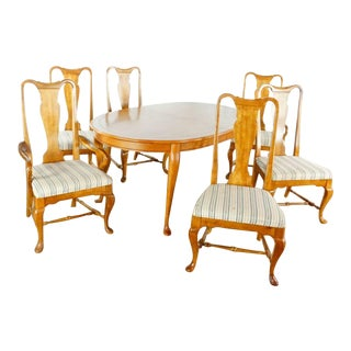 Queen Anne Bernhardt Dining Set - 7 Pieces For Sale
