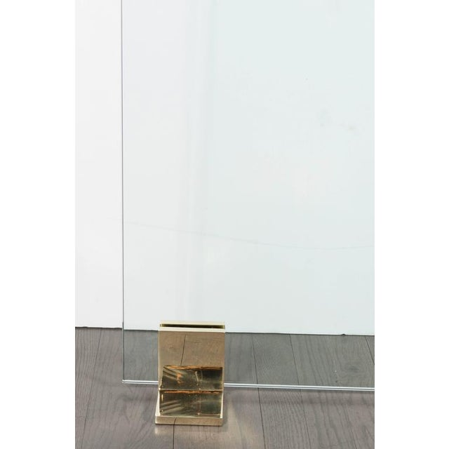 2000s Custom Modern Fire Screen in Polished Brass and Tempered Glass For Sale - Image 5 of 10