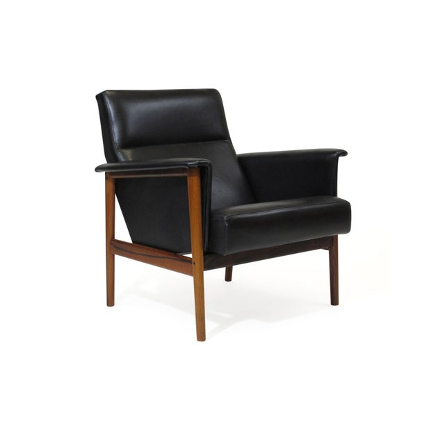 Rosewood and Black Leather Lounge Chair For Sale - Image 12 of 12