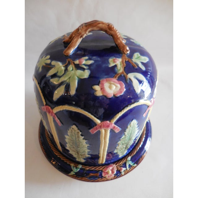 Mid 19th Century Majolica Ribbon and Leaf Cheese Dome With Underplate For Sale - Image 5 of 8
