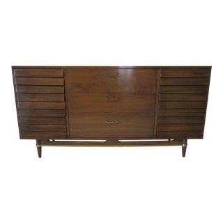 Mid Century American of Martinsville Dresser For Sale