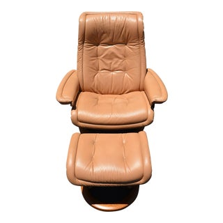 1990s Mid-Century Modern Ekornes Royal Leather Lounge Chair with Ottoman - 2 Pieces