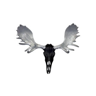 Wall Charmers Alberta Faux Black + Silver Antlers Resin Moose Head Skull For Sale