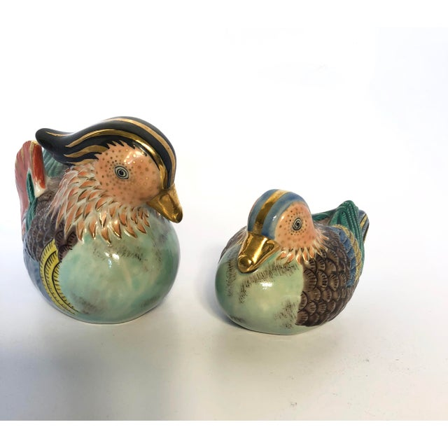 Hand-Painted Famille Rose Birds - a Pair For Sale - Image 4 of 9