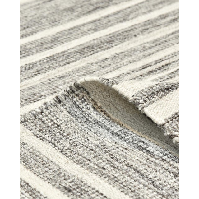 2020s Lorrena, Contemporary Flatweave Hand Woven Area Rug, Gray, 8 X 10 For Sale - Image 5 of 9