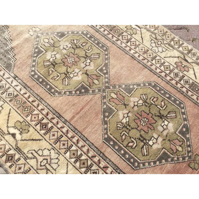 1940s Vintage Hand Knotted Turkish Rug For Sale - Image 5 of 9