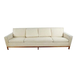 Metropolitan Furniture Mid-Century Modern White Upholstered Sofa For Sale
